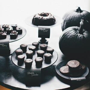 death-by-chocolate-halloween-wedding-dessert-table-ideas