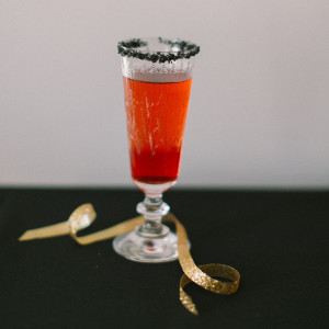 vampires-bite-apple-ginger-cocktail-recipe