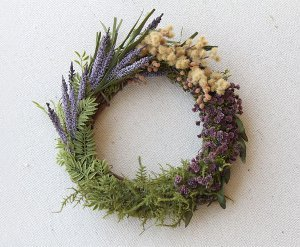 Super-Easy-Flower-Block-DIY-Wreath_ArticleImage-CategoryPage_ID-656769