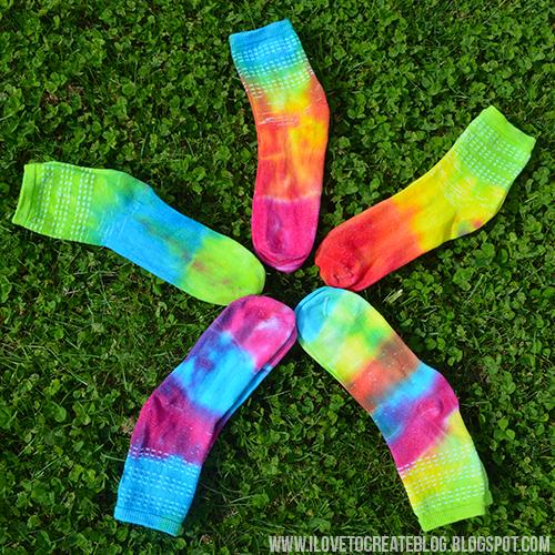 socks-in-circle-logo